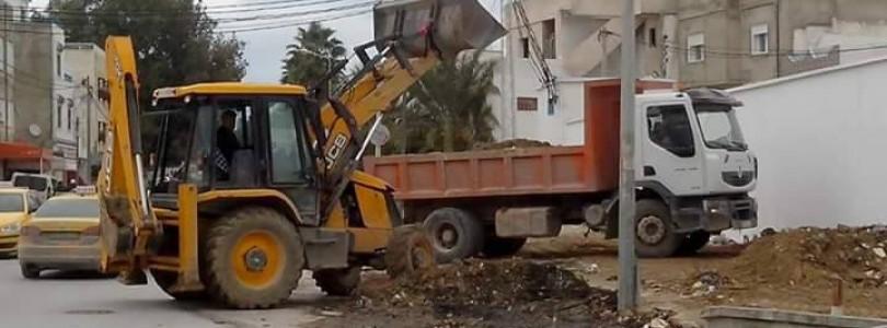 Intervention de la Direction propreté aux alentours de l'arrondissement Marsa Erriadh