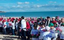 L'Ambassade de France à tunis a lancé une opération de nettoyage de la plage de la Marsa